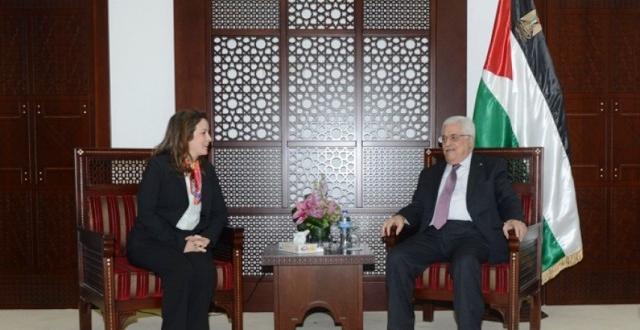 السيد محمود عباس رئيس دولة فلسطين يستقبل السيدة شرفات أفيلال الوزيرة المكلفة بالماء